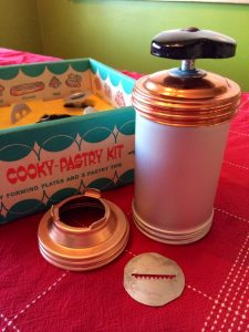 spritz-pillow-cookies-equipment