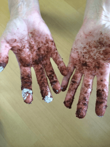 chocolate-snowballs-messy-hands